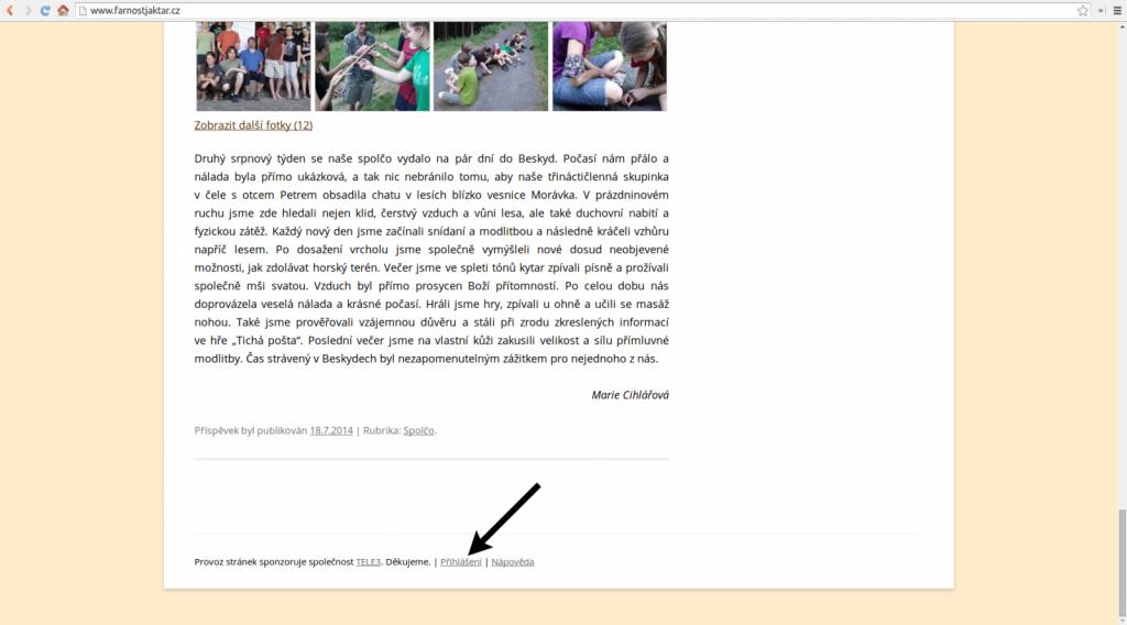 Klikněte na odkaz Přihlášení na konci libovolné stránky.